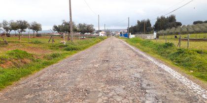 Repavimentação de estradas e caminhos municipais com colocação de sinalização horizontal